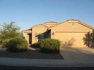 COZY, CLEAN & COMFORTABLE 3 BEDROOM HOUSE, Maricopa