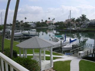 Luxury Waterfront minutes to beaches and shopping!, Tierra Verde
