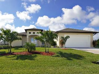 Family Friendly, Very Well Appointed Villa, Cape Coral