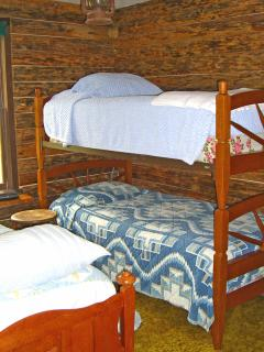 Western theme Bunk room with three single beds - 1st floor.
