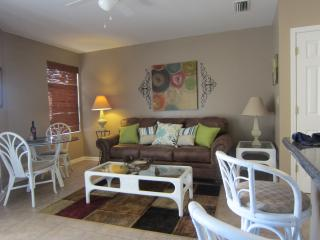 Free WIFI, King Bed, Tile Throughout, Orange Beach