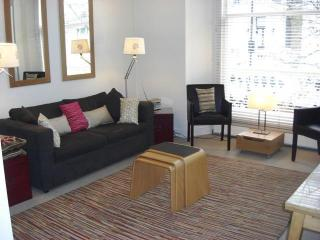 1 Bedroom Apartment in Notting Hill Gate, Londres