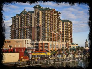 Beautiful Wyndham Emerald Grande Resort Condo, Destin