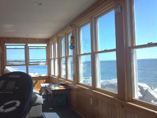 BEACON INN - OCEANFRONT, UNOBSTRUCTED VIEWS, Saco