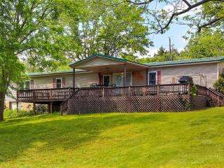 3BR Cassville Home -Large Deck & Private Swim Dock
