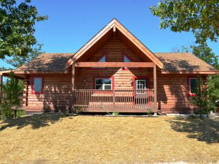 Amazing 6 Bdrm 5 Bath All Wood Log Cabin w/ Spa, Ridgedale