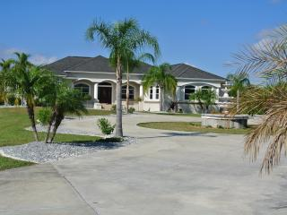 Luxury Villa on Canal, Port Charlotte