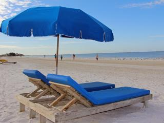 Time to Relax... at Sea Breeze of Madeira, Madeira Beach