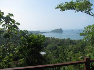 A HOUSE WITH AN AMAZING OCEAN VIEW!, Manuel Antonio National Park