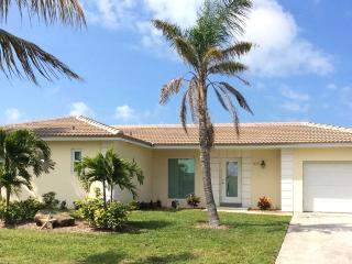 Gorgeous Canal Front Spa Home! Quick Ocean Access!, Isla Marco