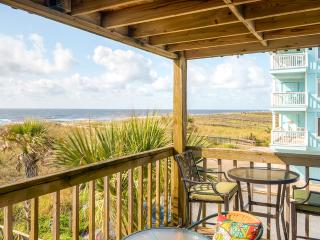 Oceanfront Carolina Beach Condo - Walk to Beach!