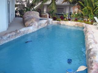 Seaside Sanctuary 5 bedroom 5 bath pool home, Tavernier