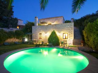Villa Erato mit Swimming Pool & Meerblick