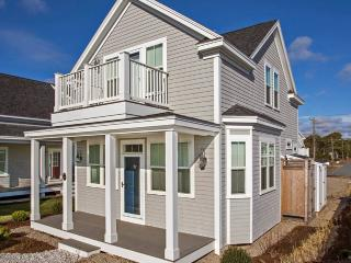 Brand New Ocean Front Cottage, Dennis Port
