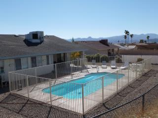 Spacious Pool Home near Golf and Boat Launch, Lake Havasu City