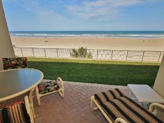 Direct ocean front, first floor non-driving beach, jacuzzi, New Smyrna Beach