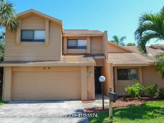 Beautiful Townhouse Karen - just 5 ml from Beaches, Fort Myers