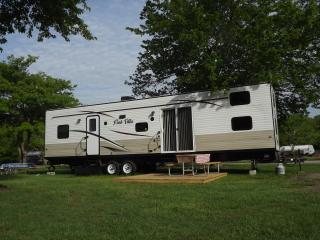 New Travel Trailer Rental on Resort in Mystic!