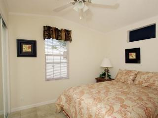 1 Bedroom Cottage on Golf Resort in Citra!
