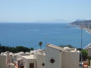 Holiday Apartment Shared pool, near beach and golf, Puerto de la Duquesa
