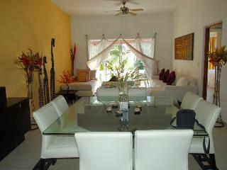 Spacious Luxury 3 Bed  Ap near Bulevard Kukuklan, Cancun