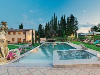 VILLA IRIS, LUXURY VILLA IN SAN GIMIGNANO, San Gimignano