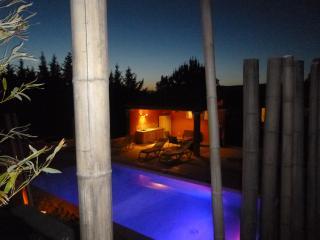Le Clos de la Martellière, piscine chauffée privée, Alleins