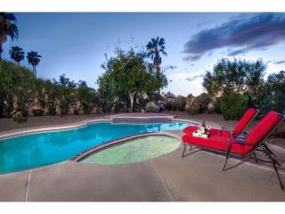 Scottsdale 4 bedroom, Heated Pool, Large Yard