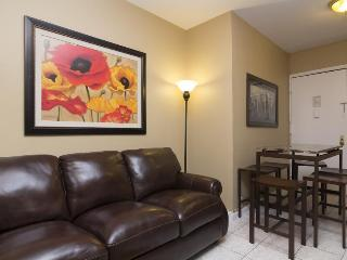 Stay by Times Square - 3 Bedroom Apartment