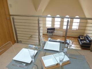 Modern, Specious 3 bed, 2 bathroom ,CITY Centre, Edinburgh