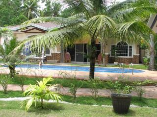Bohol Vacation House/Swimmin Pool, Dauis