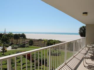 Marco Island Beachfront Condo Splendid Gulf Views