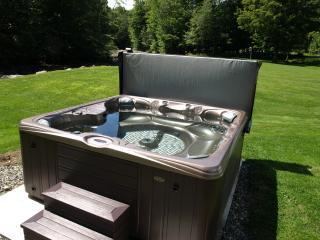 New 7 person Hot Tub