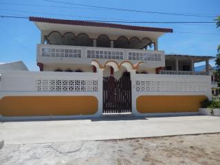 Playas, Ecuador, Bright & Breezy Rooms