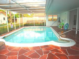 Vacation Central! Heated Pool, Beaches, Fishing, Coconut Creek