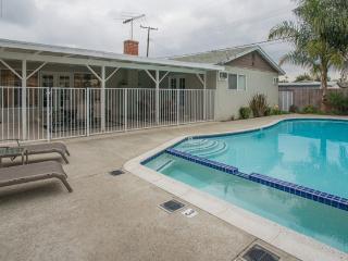 Pool Home Close to Disney!, Anaheim