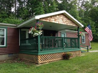 Bobcat Cabin Located In Hocking Hills Ohio & Wayne