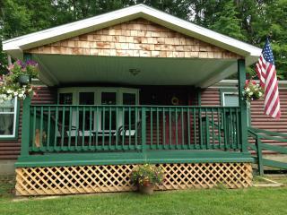 Bobcat Cabin Located In Hocking Hills Ohio & Wayne