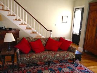 Cozy, comfy Boston single family house, fully equipped and close to everything!