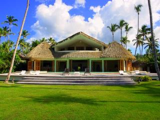 Beachront villa at Playa Coson in Las Terrenas