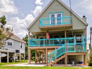 Serene 3BR Waterfront Kiln House in Jourdan River Shores w/Wifi & Private Dock - Easy Access to Mississippi Beaches, Fishing, Casinos, New Orleans & Much More!