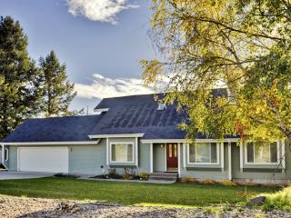 New Listing! Spacious Kalispell House w/Wifi, Private Backyard & Breathtaking Mountain Views - Unbeatable Location! Easy Access to Outdoor Recreation & Downtown Attractions!