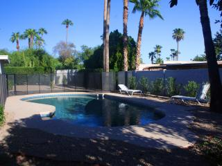 Gorgeous 4 BR, 2BA, Lge Heated Pool, nr R' Shoshan, Scottsdale