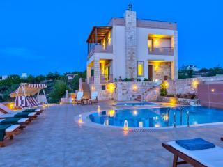Villa Onar, Akrotiri