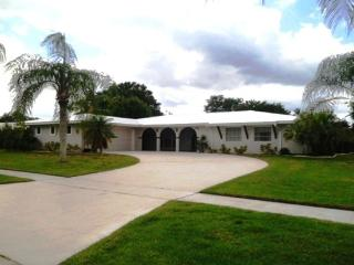 A Very Nice Villa of 2206 Sq.Ft Fully Renovated, Port Saint Lucie