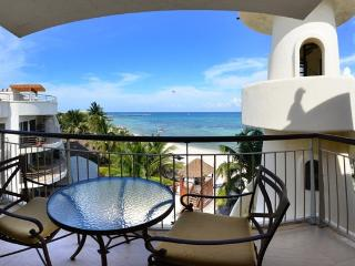Honeymoon Penthouse, One Bedroom Oceanfront Condo, Playa del Carmen