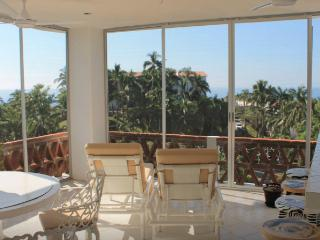 Panoramic views in exclusive 2BD condo, Manzanillo