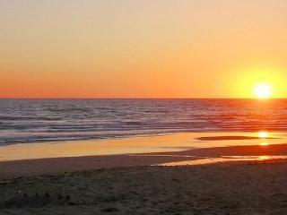 Sunset Vistas Top Floor Gulf View Beachfront Condo, Treasure Island