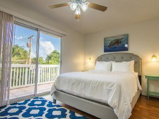 Sunshine Cottage: a Great Escape 'To the Beach' !, Ocean View