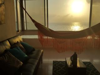 Beachfront 2BR Large Family Apt w/Beautiful Views, Cartagena